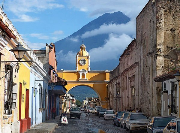 A beautiful and vibrant mix of new and old, we share our favorite things to do in Antigua Guatemala.